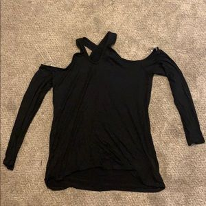 Black long sleeve open shoulder shirt. Sz L